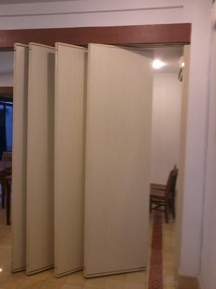 partisi lipat penyekat ruangan untuk ruang meeting hotel dll
